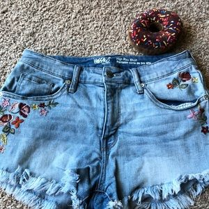 Mossimo denim shorts with floral design size 10/30